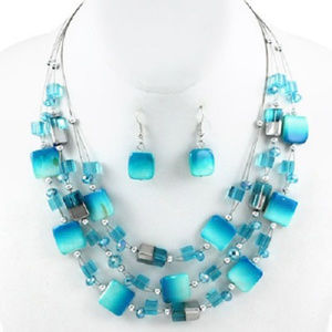 Turquoise Shell and Glass Layered Necklace Set